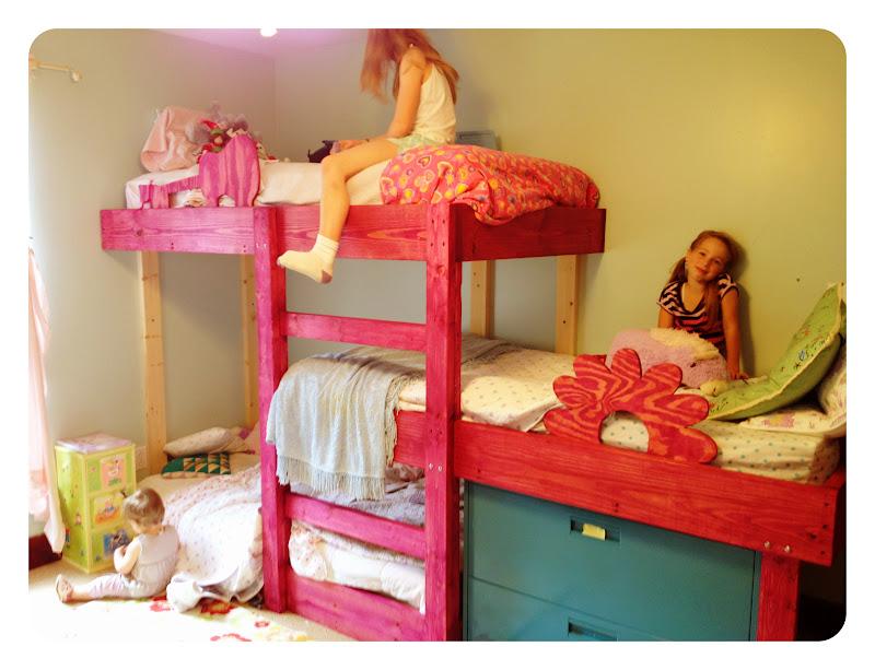 kreveti za troje