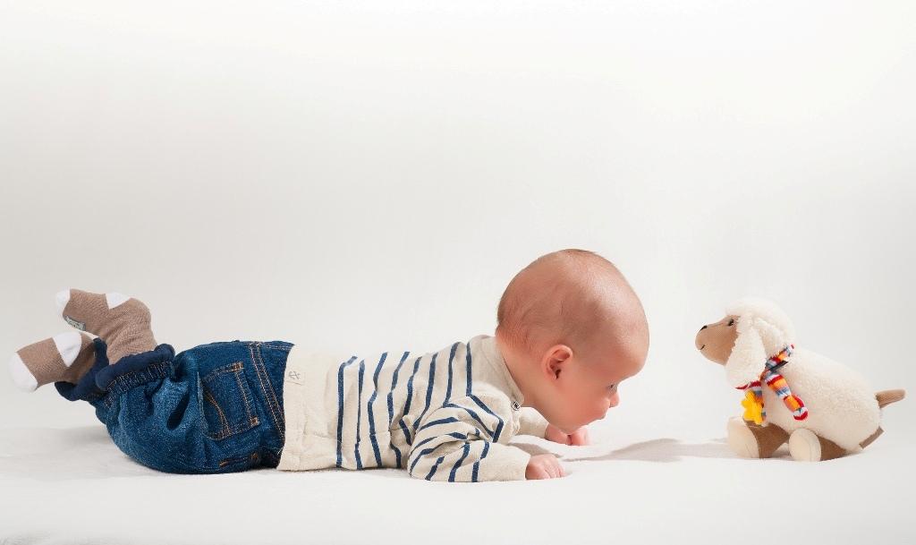 beba na podu