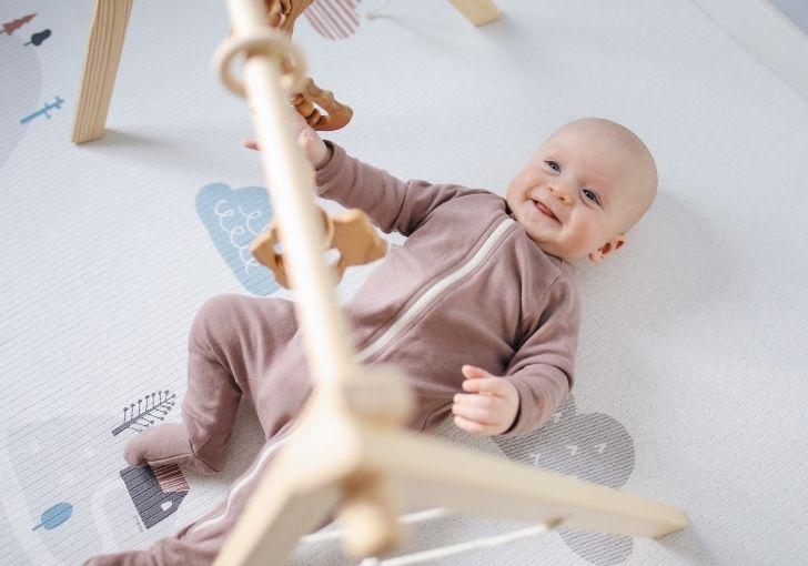 Roditelji, izbacite iz kuće sve sedeljke, ljuljaške i nosiljke za bebe!
