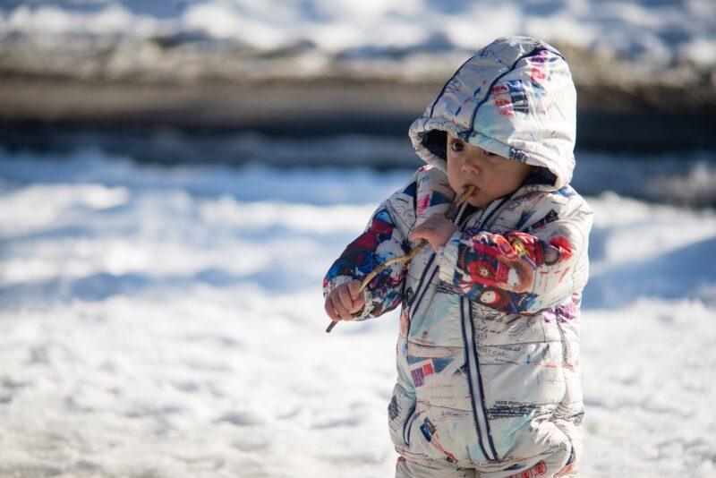 Pedijatri savetuju: Izvedite decu napolje i kada je hladno i kada je sneg