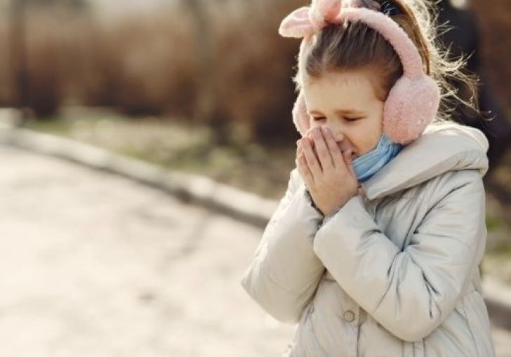 Bol u grlu kod dece – kako najbrže i najbolje pomoći