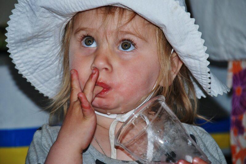 Dehidracija (gubitak tečnosti) kod dece u letnjem periodu