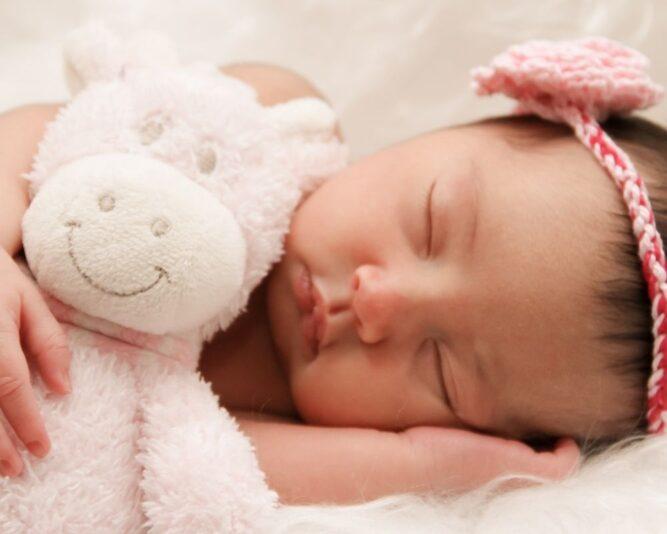 Kako pomoći bebi koja ima grčeve (infantilne kolike)?